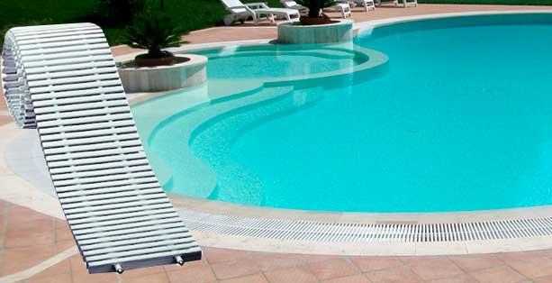 Rejillas perimetrales archivos piscinas master for Rejilla piscina